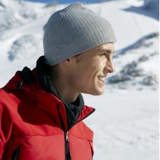 Зимняя вязанная шапка классическая